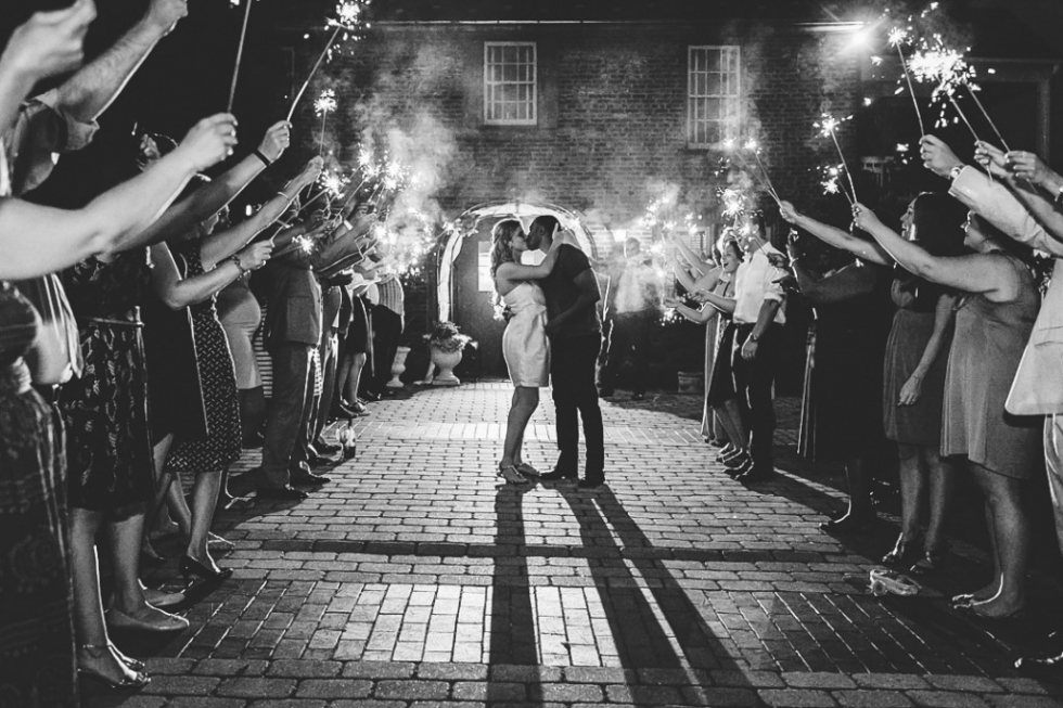 How to Plan the Perfect Sparkler Exit for Your Wedding Day